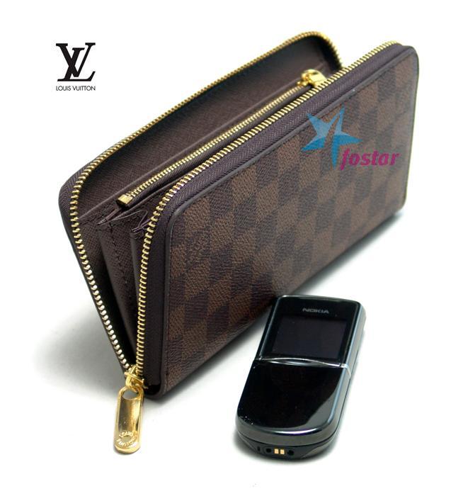 half off e5c2f 25575 Клатч Louis Vuitton N60015